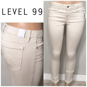 New LEVEL99 soft stretchy cream jeans. NWOT